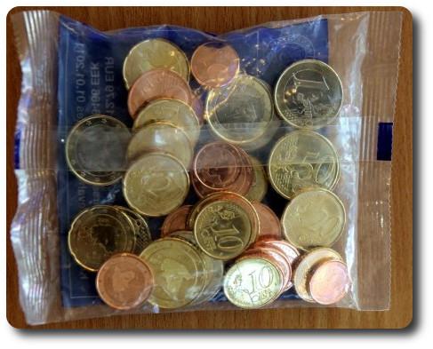 Los primeros euros de Letonia, el 10 de diciembre de 2013 Euro-kits-letonia